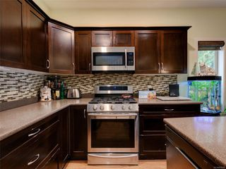 Photo 2: 886 Isabell Ave in : La Walfred Row/Townhouse for sale (Langford)  : MLS®# 859022