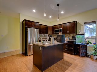 Photo 9: 886 Isabell Ave in : La Walfred Row/Townhouse for sale (Langford)  : MLS®# 859022