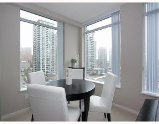 """Photo 4: 1103 1001 HOMER Street in Vancouver: Downtown VW Condo for sale in """"THE BENTLEY"""" (Vancouver West)  : MLS®# V699236"""