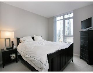 """Photo 6: 1103 1001 HOMER Street in Vancouver: Downtown VW Condo for sale in """"THE BENTLEY"""" (Vancouver West)  : MLS®# V699236"""