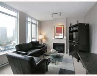 """Photo 1: 1103 1001 HOMER Street in Vancouver: Downtown VW Condo for sale in """"THE BENTLEY"""" (Vancouver West)  : MLS®# V699236"""