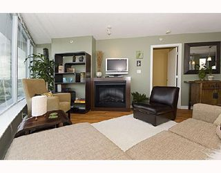"""Photo 3: 1009 688 ABBOTT Street in Vancouver: Downtown VW Condo for sale in """"FIRENZE II"""" (Vancouver West)  : MLS®# V707994"""