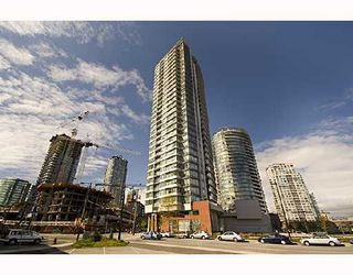 """Photo 1: 1009 688 ABBOTT Street in Vancouver: Downtown VW Condo for sale in """"FIRENZE II"""" (Vancouver West)  : MLS®# V707994"""