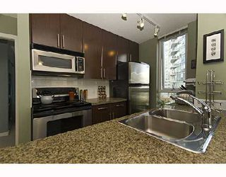 """Photo 6: 1009 688 ABBOTT Street in Vancouver: Downtown VW Condo for sale in """"FIRENZE II"""" (Vancouver West)  : MLS®# V707994"""