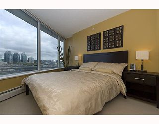 """Photo 7: 1009 688 ABBOTT Street in Vancouver: Downtown VW Condo for sale in """"FIRENZE II"""" (Vancouver West)  : MLS®# V707994"""