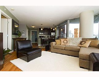 """Photo 4: 1009 688 ABBOTT Street in Vancouver: Downtown VW Condo for sale in """"FIRENZE II"""" (Vancouver West)  : MLS®# V707994"""