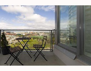 """Photo 10: 1009 688 ABBOTT Street in Vancouver: Downtown VW Condo for sale in """"FIRENZE II"""" (Vancouver West)  : MLS®# V707994"""