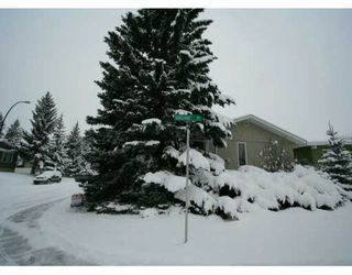 Photo 2:  in CALGARY: Varsity Acres Residential Detached Single Family for sale (Calgary)  : MLS®# C3248602