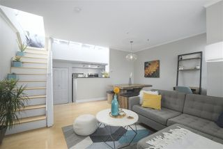 "Photo 4: 201 657 W 7TH Avenue in Vancouver: Fairview VW Townhouse for sale in ""THE IVYS"" (Vancouver West)  : MLS®# R2393485"