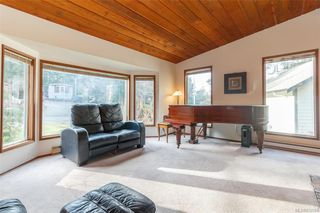Photo 3: 1725 Wilmot Ave in SHAWNIGAN LAKE: ML Shawnigan Single Family Detached for sale (Malahat & Area)  : MLS®# 832594