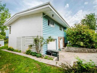 Photo 2: 5329 WOODSWORTH Street in Burnaby: Central BN House for sale (Burnaby North)  : MLS®# R2455225