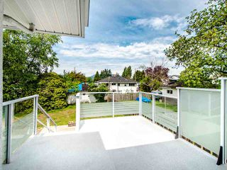 Photo 16: 5329 WOODSWORTH Street in Burnaby: Central BN House for sale (Burnaby North)  : MLS®# R2455225