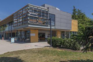 """Photo 22: 204 2110 CORNWALL Avenue in Vancouver: Kitsilano Condo for sale in """"SEAGATE VILLA"""" (Vancouver West)  : MLS®# R2489101"""