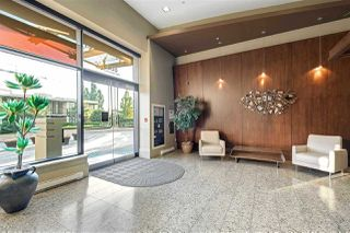 """Photo 17: 302 683 W VICTORIA Park in North Vancouver: Lower Lonsdale Condo for sale in """"Mira On The Park"""" : MLS®# R2509534"""