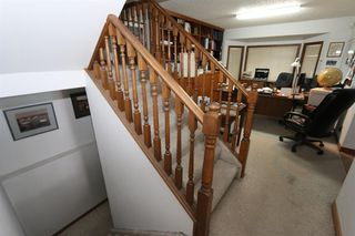 Photo 5: 2926 Parkdale Boulevard NW in Calgary: Parkdale Detached for sale : MLS®# A1052015