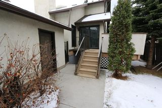 Photo 2: 2926 Parkdale Boulevard NW in Calgary: Parkdale Detached for sale : MLS®# A1052015