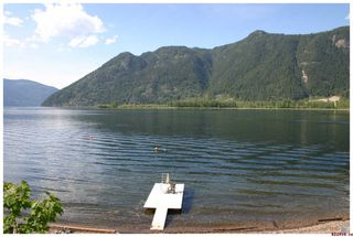 Photo 5: 16 Bruhn Road in Sicamous: Waterfront Residential Detached for sale : MLS®# 10002556