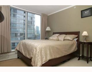 """Photo 5: 703 1438 RICHARDS Street in Vancouver: False Creek North Condo for sale in """"AZURA I"""" (Vancouver West)  : MLS®# V646445"""