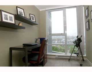 """Photo 8: 703 1438 RICHARDS Street in Vancouver: False Creek North Condo for sale in """"AZURA I"""" (Vancouver West)  : MLS®# V646445"""