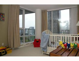 """Photo 7: 703 1438 RICHARDS Street in Vancouver: False Creek North Condo for sale in """"AZURA I"""" (Vancouver West)  : MLS®# V646445"""