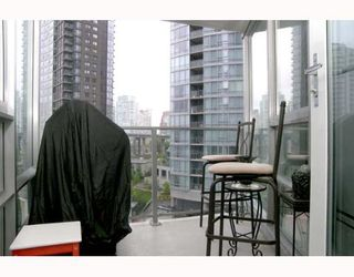 """Photo 9: 703 1438 RICHARDS Street in Vancouver: False Creek North Condo for sale in """"AZURA I"""" (Vancouver West)  : MLS®# V646445"""