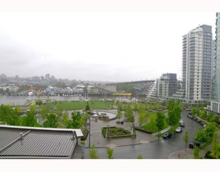 """Photo 10: 703 1438 RICHARDS Street in Vancouver: False Creek North Condo for sale in """"AZURA I"""" (Vancouver West)  : MLS®# V646445"""