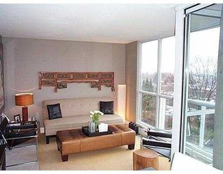 """Photo 2: 802 1686 W 13TH AV in Vancouver: Fairview VW Condo for sale in """"DORCHESTER PINES"""" (Vancouver West)  : MLS®# V578719"""