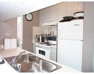 """Photo 6: 802 1686 W 13TH AV in Vancouver: Fairview VW Condo for sale in """"DORCHESTER PINES"""" (Vancouver West)  : MLS®# V578719"""