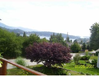 Photo 9: 717 CRUCIL Road in Gibsons: Gibsons & Area House for sale (Sunshine Coast)  : MLS®# V665835