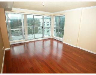 Photo 8: 2202 295 GUILDFORD Way in Port_Moody: North Shore Pt Moody Condo for sale (Port Moody)  : MLS®# V633410