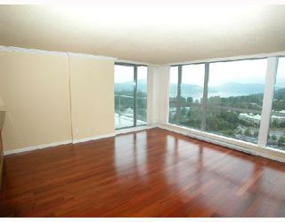 Photo 2: 2202 295 GUILDFORD Way in Port_Moody: North Shore Pt Moody Condo for sale (Port Moody)  : MLS®# V633410