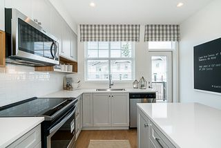"""Main Photo: 54 27735 ROUNDHOUSE Drive in Abbotsford: Aberdeen Townhouse for sale in """"ROUNDHOUSE"""" : MLS®# R2408581"""