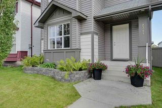 Photo 2: 2341 29A Avenue in Edmonton: Zone 30 House for sale : MLS®# E4180062
