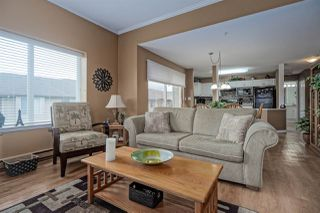 """Photo 4: 406 45520 KNIGHT Road in Sardis: Sardis West Vedder Rd Condo for sale in """"Morningside"""" : MLS®# R2439105"""