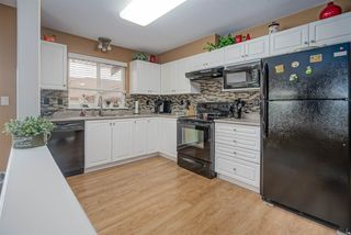 """Photo 8: 406 45520 KNIGHT Road in Sardis: Sardis West Vedder Rd Condo for sale in """"Morningside"""" : MLS®# R2439105"""