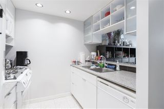 """Photo 9: 1809 939 EXPO Boulevard in Vancouver: Yaletown Condo for sale in """"MAX II"""" (Vancouver West)  : MLS®# R2491297"""