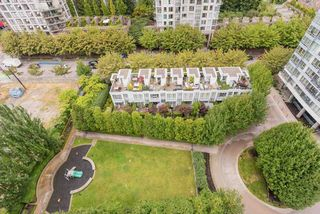 """Photo 12: 1809 939 EXPO Boulevard in Vancouver: Yaletown Condo for sale in """"MAX II"""" (Vancouver West)  : MLS®# R2491297"""