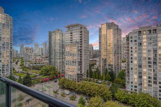 """Photo 13: 1809 939 EXPO Boulevard in Vancouver: Yaletown Condo for sale in """"MAX II"""" (Vancouver West)  : MLS®# R2491297"""