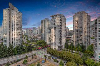 """Photo 14: 1809 939 EXPO Boulevard in Vancouver: Yaletown Condo for sale in """"MAX II"""" (Vancouver West)  : MLS®# R2491297"""