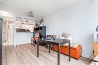 """Photo 4: 1809 939 EXPO Boulevard in Vancouver: Yaletown Condo for sale in """"MAX II"""" (Vancouver West)  : MLS®# R2491297"""