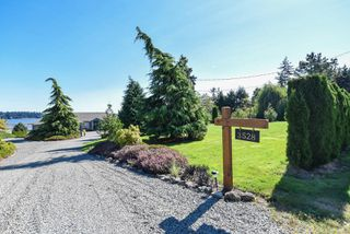 Main Photo: 3528 S Island Hwy in : CV Courtenay City House for sale (Comox Valley)  : MLS®# 855809