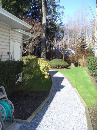 "Photo 17: 10584 153RD Street in Surrey: Guildford Townhouse for sale in ""Glenwood Village"" (North Surrey)  : MLS®# F2706304"