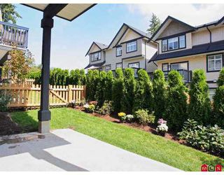 "Photo 10: 70 19932 70TH Avenue in Langley: Willoughby Heights Townhouse for sale in ""SUMMERWOOD"" : MLS®# F2723085"