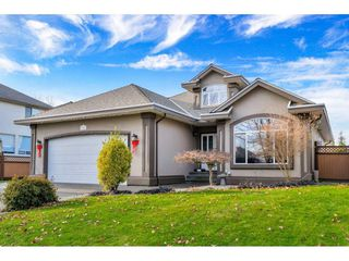 "Main Photo: 9141 207 Street in Langley: Walnut Grove House for sale in ""GREENWOOD ESTATES"" : MLS®# R2422344"