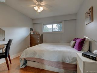 Photo 13: 2439 Selwyn Road in VICTORIA: La Thetis Heights Single Family Detached for sale (Langford)  : MLS®# 421061