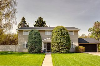 Photo 3: 4719 CORONATION Drive SW in Calgary: Britannia Detached for sale : MLS®# C4298017