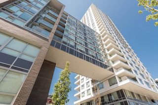 "Photo 10: 1008 5665 BOUNDARY Road in Vancouver: Collingwood VE Condo for sale in ""Wall Centre Central Park"" (Vancouver East)  : MLS®# R2481202"