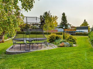 Photo 32: 23 SANDERLING Court NW in Calgary: Sandstone Valley Detached for sale : MLS®# A1035345