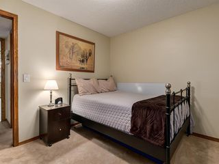 Photo 24: 23 SANDERLING Court NW in Calgary: Sandstone Valley Detached for sale : MLS®# A1035345