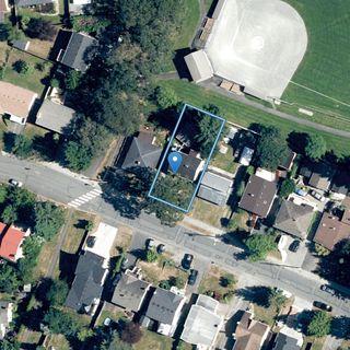Photo 34: 1564 San Juan Ave in : SE Gordon Head House for sale (Saanich East)  : MLS®# 858060